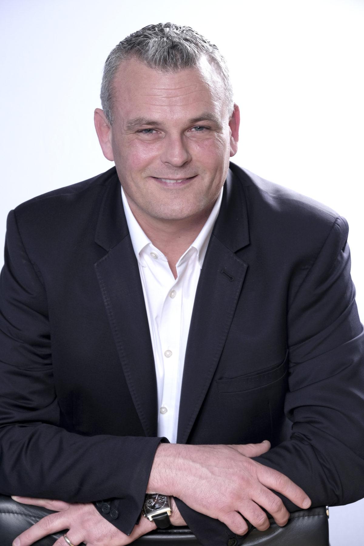 Ioan MacRae - Maintel